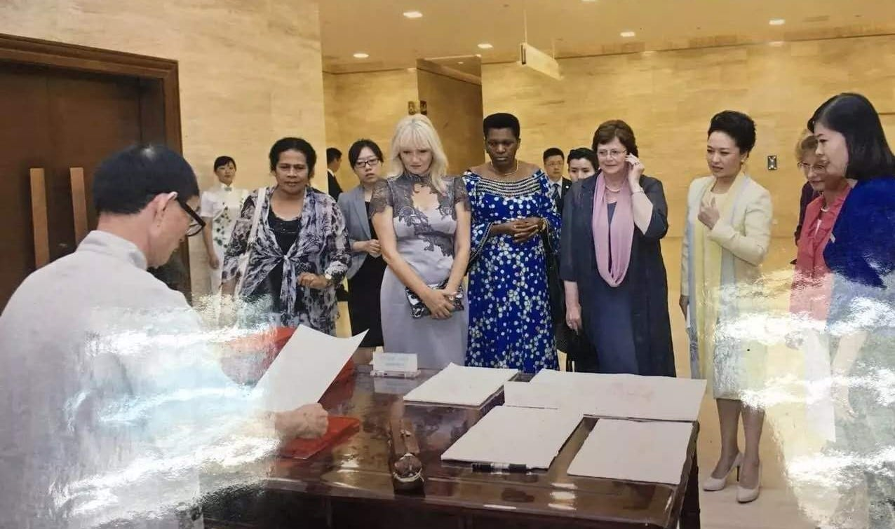 Wood Block demonstration with Fist Lady of China watching